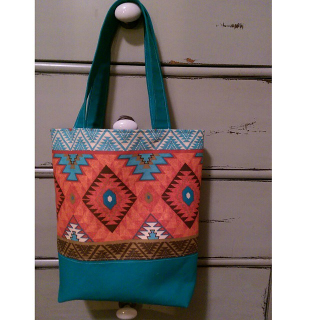 These colors are so nice..... @ohhonestlyhandmade   #handmade #crafter #bag #totebag