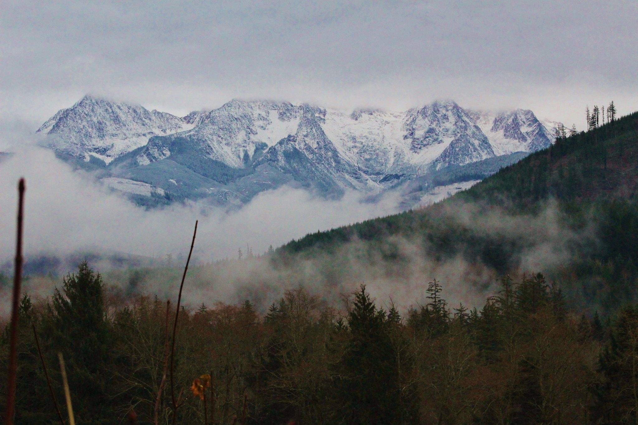 Washington PNW sister mountains