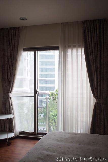 【主臥室大改造】外國風的美麗木百葉