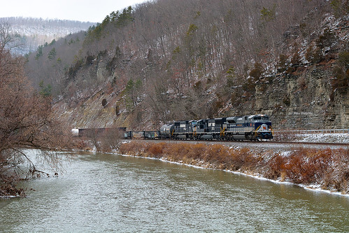 heritage train ns wabash freighttrain norfolksouthern emd 13t sd70ace heritageunit adrianny emdsd70ace emdlocomotive heritagecolors canisteoriver winterrailroading ns1070 brownscrossingny southerntierline wabash1070 canisteovalley westernnewyorkrailroads newyorkssoutherntier