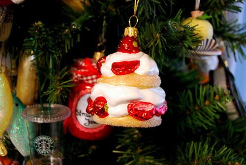 ornament - strawberry shortcake-001