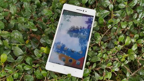 Oppo R5 ด้านหน้า