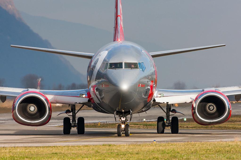 G-GDFG - B733 - Jet2