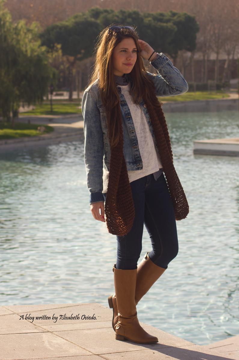 jersey-blanco-con-camisa-de-cuadros-y-jeans-HEELSANDROSES-(2)