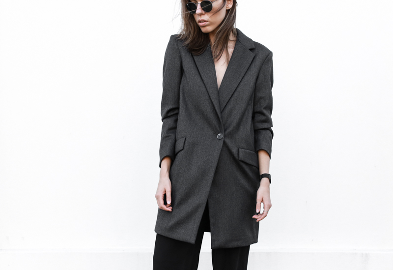 workwear, street style, grey blazer, modern legacy, round sunglasses, fashion blog, outfit (1 of 1)