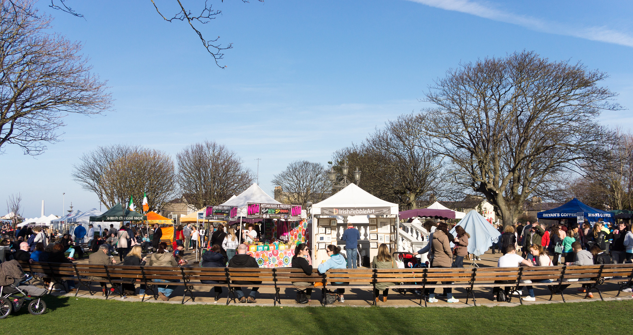 DUN LAOGHAIRE MARKET ON SUNDAY IN PEOPLE'S PARK - REF-102837