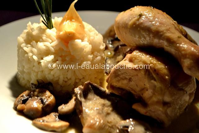 Poulet aux Champignons Sauce au Porto Blanc © Ana Luthi Tous droits réservés