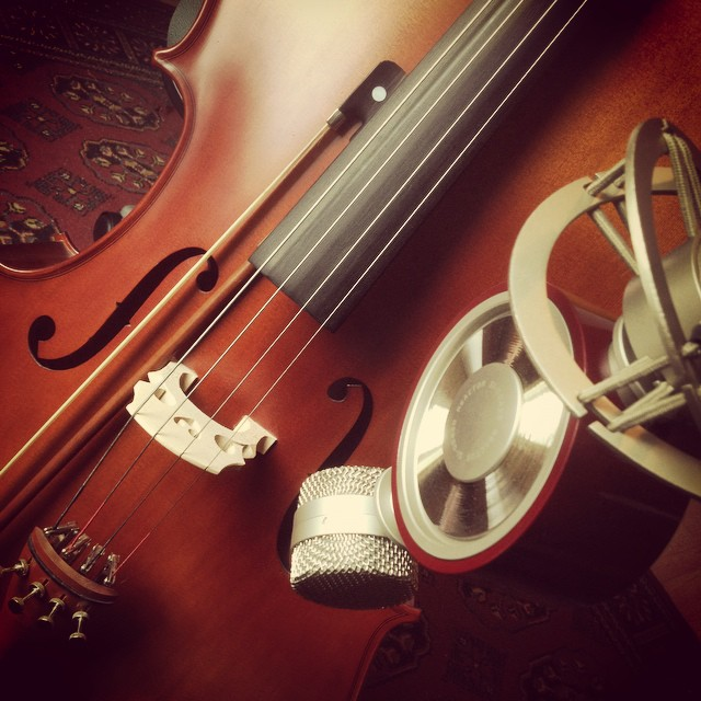 Recording some cello with the @bluemicrophones Reactor today #cello #bluemicrophones #reactor #bluerreactor #blue #studio #violoncello #musicstudio #composer