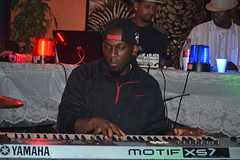 032 Keyboard Player