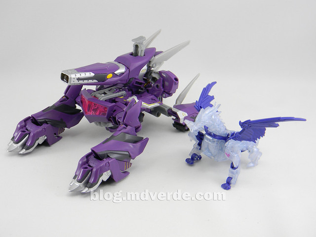 Transformers Shockwave Voyager - Generations SDCC Exclusive (Shockwave's Lab) - modo alterno vs Predaking
