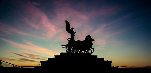 sunset rome monument canon 28mm quadriga chariot 24105 monumenttothefatherland grantmorris grantmorrisphotography