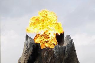 Rainforest Café Volcano at Downton Disney April 2015 05