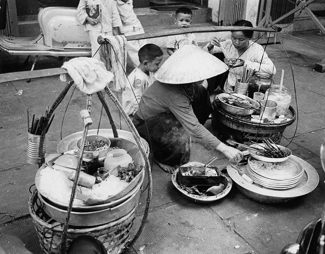 It's not all bloodshed (4/10) - Al fresco dining on a Saigon street.