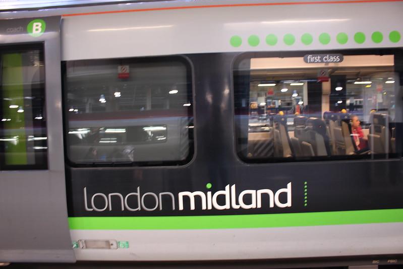 倫敦往曼徹斯特火車 (58)