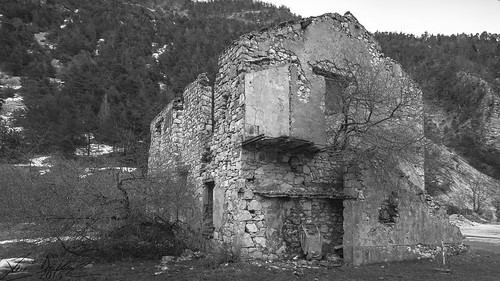 Thorame Ruins 2/11 (F50)