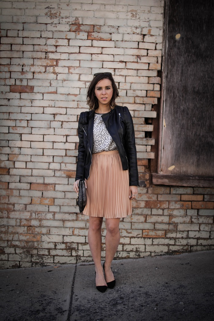a viza style. andrea viza. fashion blogger. dc blogger. pleated jcrew skirt. faux leather jacket. rebecca minkoff heels. casual style. dc style. 4