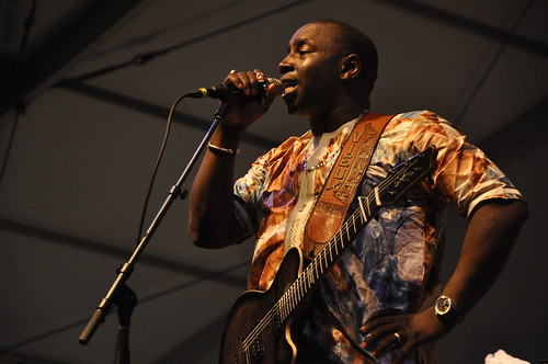 Vieux Farka Toure and his band in the Blues Tent.  Photo by leonastrassbergsteiner.com
