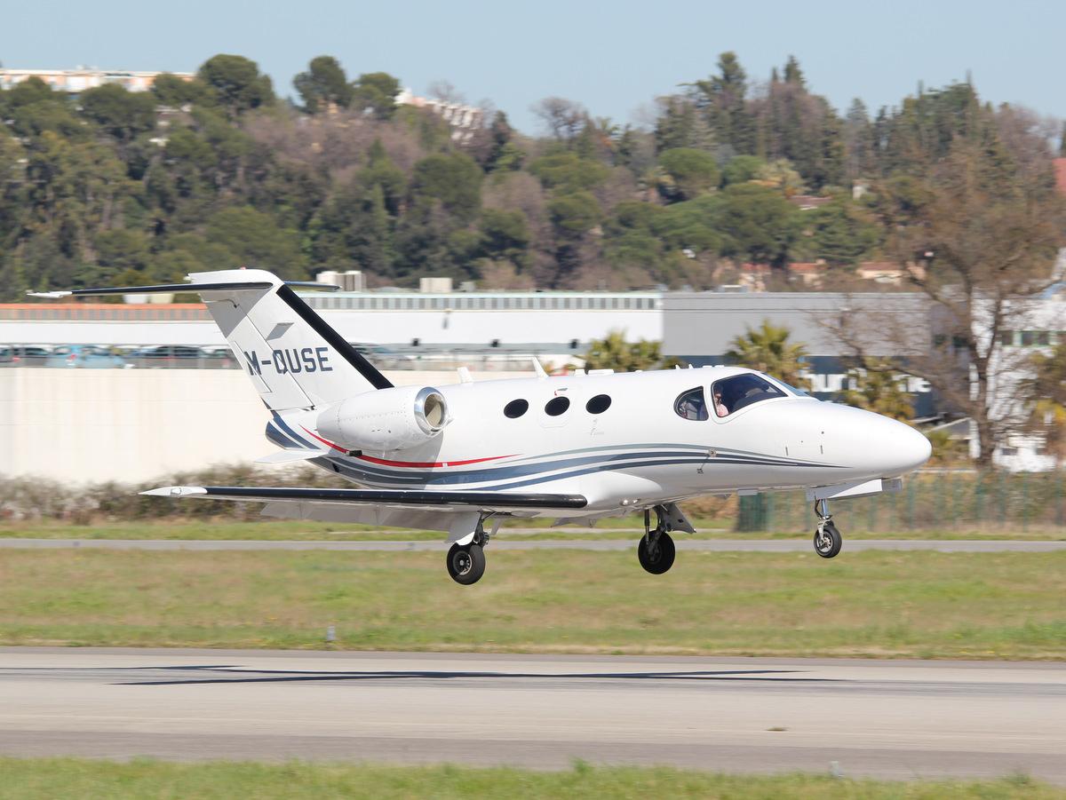 Aéroport de Cannes-Mandelieu [LFMD-CEQ] Mars 2015  16750293401_ae12bf55a5_o