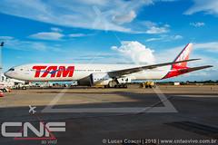 Boeing 777-300 TAM Linhas Aéreas PT-MUI