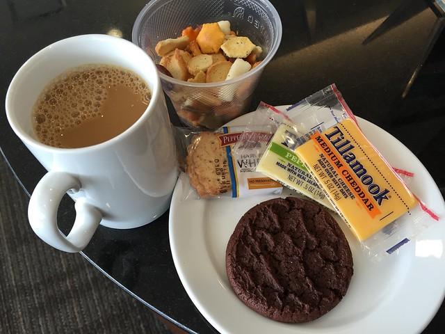 Pre-boarding snacks - United Club