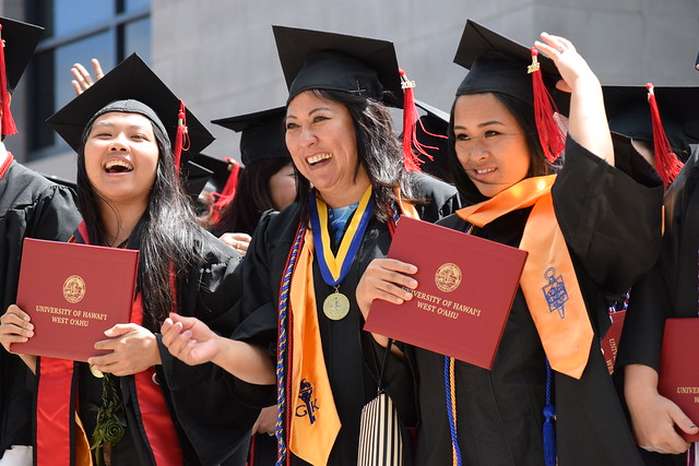 Spring 2016 UHWO Commencement Ceremony