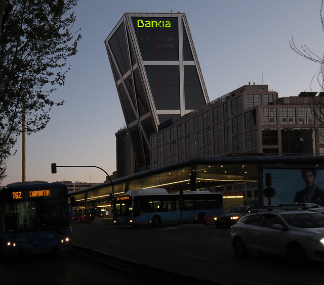 Plaza de Castilla station and Bankia building (KIO towers), Madrid (2016)