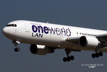 LAN B763 Oneworld (S.Blaise)
