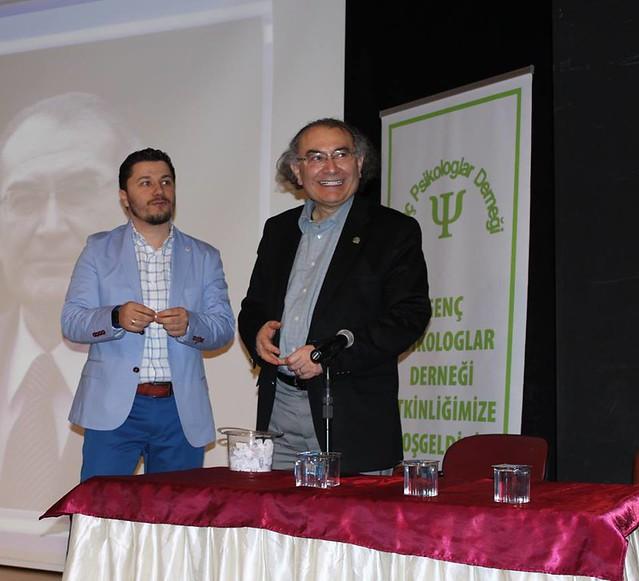Prof. Dr. Tarhan ve Prof. Dr. Atasoy genç psikologlarla buluştu.