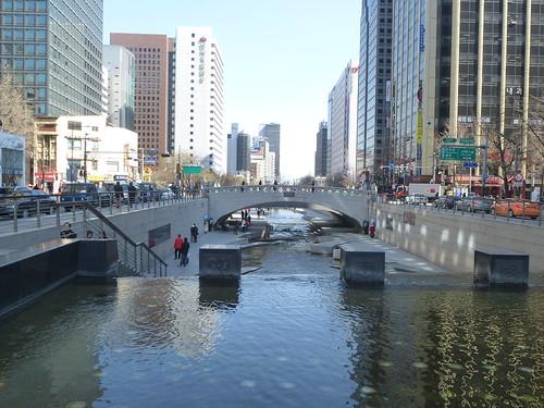 Co-Seoul-Cheonggyechen-Canal (4)