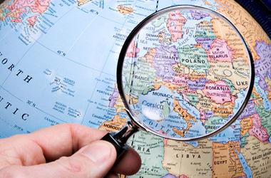 Українці шукають роботу закордоном. Будь-яку