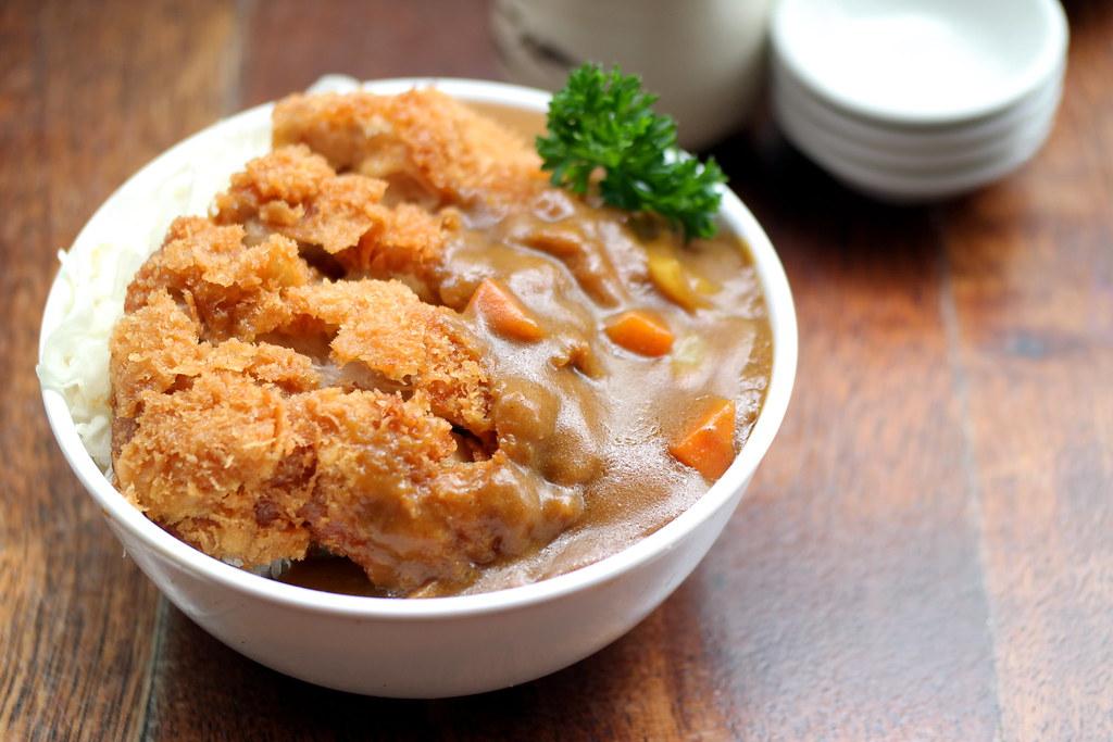 Tanuki Raw's Yakitori Don餐厅