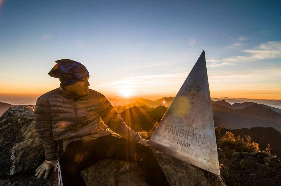 Ngắm hoàng hôn trên đỉnh Fansipan