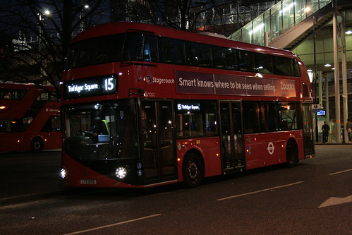 Stagecoach London LT252 on Route 15, Blackwall