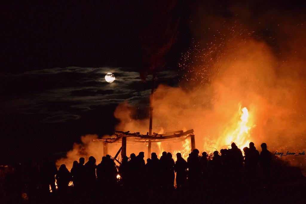 Osterfeuer auf dem Papenberg