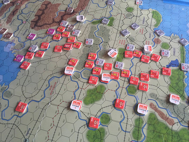 I'm running the eastern front vs Germans in Unconditional Surrender