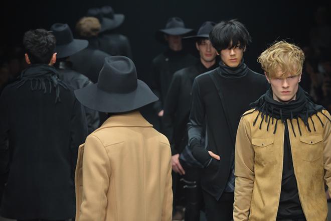 FW15 Tokyo ato152_Knut Roertveit(fashionsnap.com)