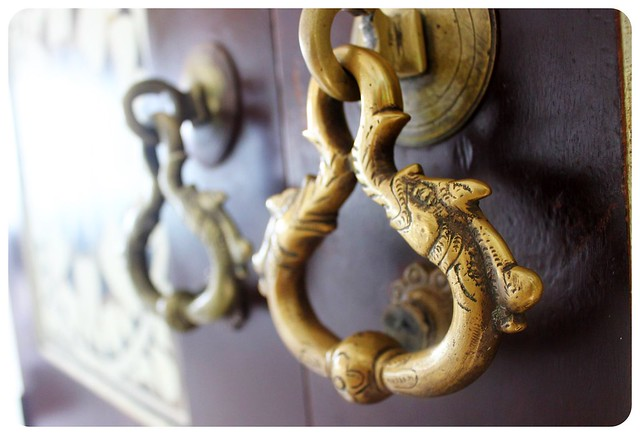 kandy theva residency door knob
