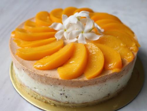 Peach and chamomile tea mousse cake
