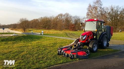 TYM Traktor T353