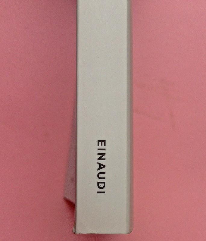 Virgina Woolf, Gita al Faro. Einaudi 2014. Progetto grafico di 46xy. Dorso (part.), 1