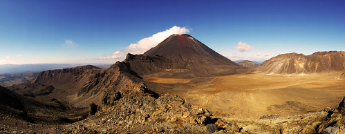 park new travel newzealand panorama mountain nature landscape volcano lava crossing desert sony adventure lotr national nz tongarironationalpark northisland lordoftherings tongariro setting volcanic mordor mountruapehu mountdoom dscwx300