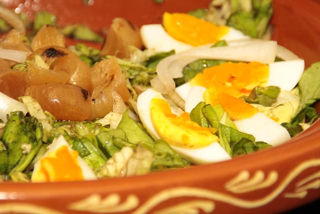 salade met geconfeite uitjes...