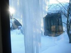 ice hotel(0.0), reflection(0.0), winter storm(0.0), blizzard(0.0), blue(0.0), winter(1.0), sunlight(1.0), snow(1.0), light(1.0), ice(1.0), icicle(1.0), freezing(1.0),