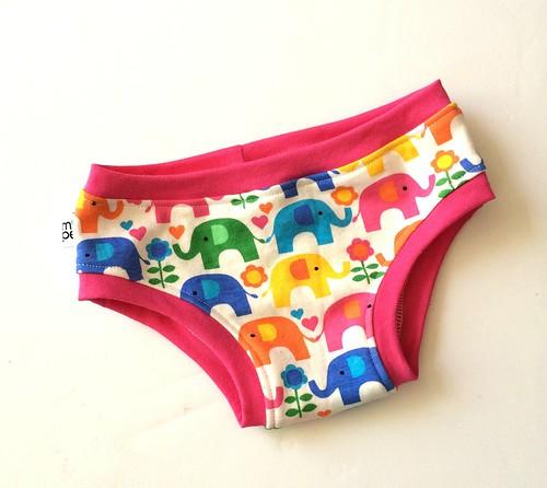 Size 4 Bikini Style unders Rainbow elephant