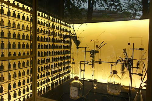 Laboratorio di profumi, #FuoriSalone by Ylbert Durishti