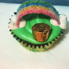 May the luck of the Irish follow you all. #cupcakes #cupcakestagram #cupcakesofinstagram #stpattysday