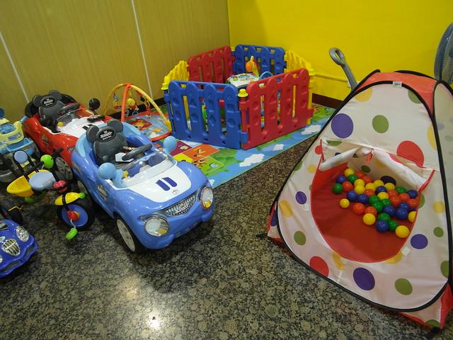 給幼兒的遊戲區@eco媽咪左營店