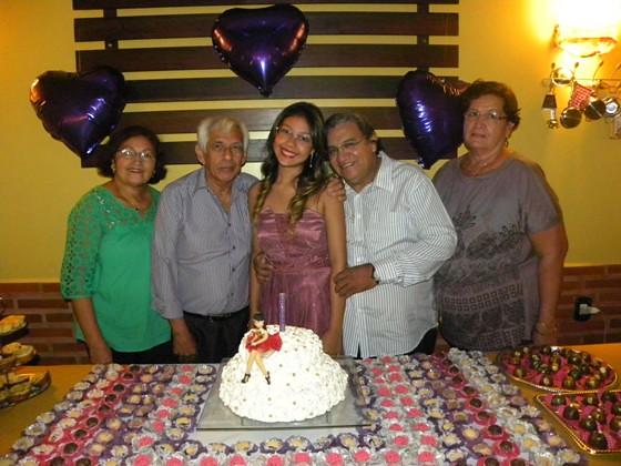Maria Rita com seus avós Zélia e Rosinaldo Santos, e Raimundo e Edith Gonçalves