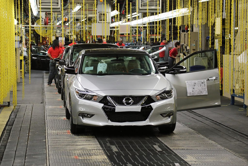 Nissan begins production of 2016 Maxima in Tennessee