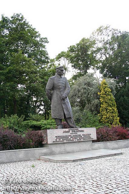 Estatua de Józef Piłsudski. © Paco Bellido, 2008
